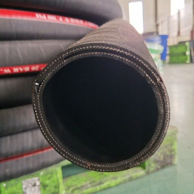 NBR Rubber 300PSI Petroleum Transfer Hose , Industrial Oil Delivery Hose